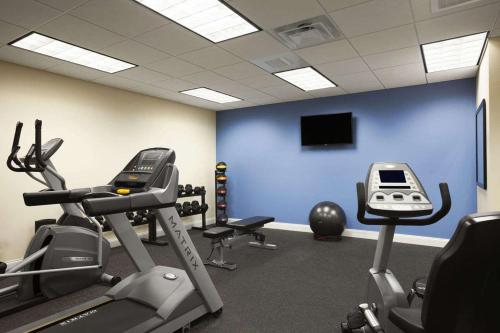 Days Inn & Suites Altoona Photo