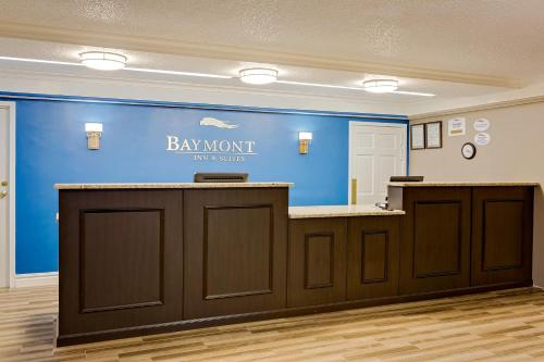 Baymont Inn & Suites Jacksonville Orange Park Photo