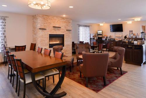 Best Western Designer Inn and Suites Photo