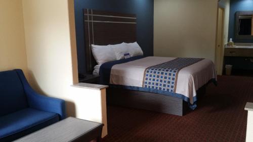 Americas Best Value Inn & Suites-northeast Houston - Houston, TX 77093
