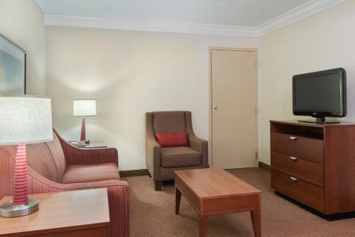 Comfort Inn Near Fort Bragg Photo