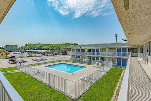 Motel 6 Kansas City North - Airport Photo