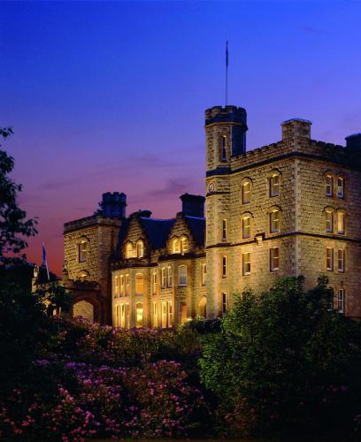 Kasteel-overnachting met je hond in Inverlochy Castle Hotel - Fort William