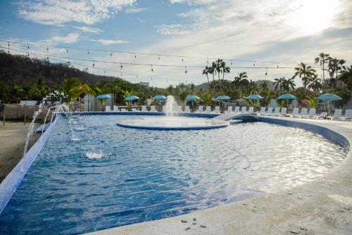 La Isla Huatulco Photo