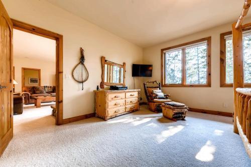 Six-bedroom Villa At The Highlands - Frisco, CO 80424