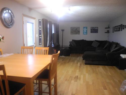 Range Lake Bed & Breakfast - Yellowknife, NT X1A 3A5