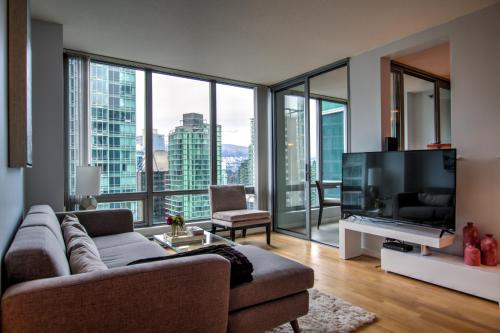 The Residence Club - Vancouver, BC V6B 3B4