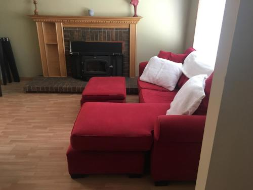 Cozy And Spacious 2 Bedroom Apartment In Ottawa - Ottawa, ON K1B 3T3