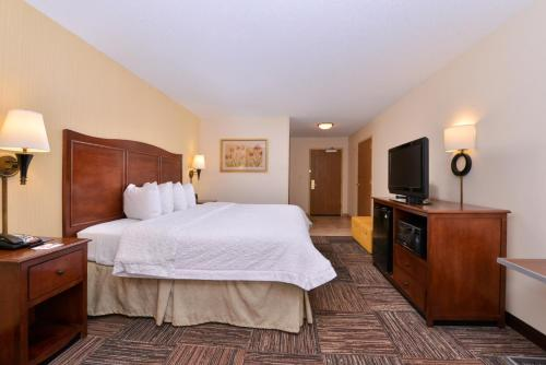 Hampton Inn Elkhart Photo