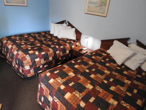 Liberty Motel - Liberty, IN 47353