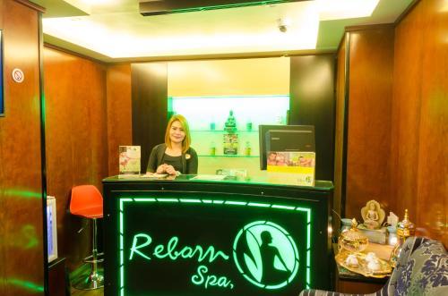 Ramee Guestline Hotel photo 18