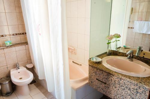 Ramee Guestline Hotel photo 11