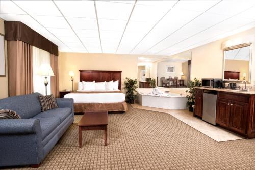 Barrington Hotel & Suites Photo
