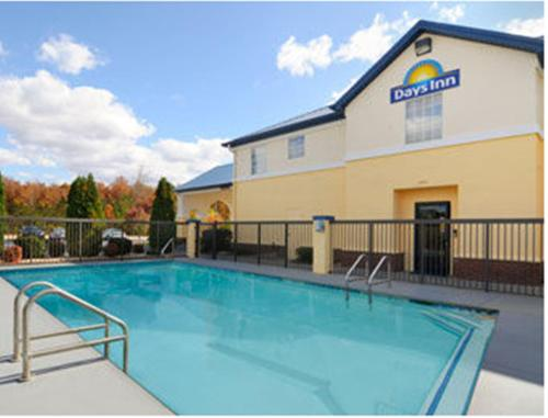 Days Inn By Wyndham Lincoln - Lincoln, AL 35096