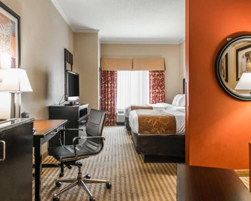 Comfort Suites - Panama City/Tyndall Photo