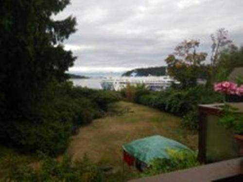 Beach Estates Inn Bed And Breakfast - Nanaimo, BC V9S 2Y3