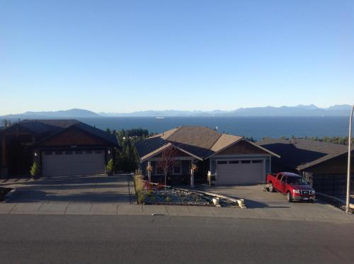Mountain & Ocean View Rooms - Nanaimo, BC V9T 0A7