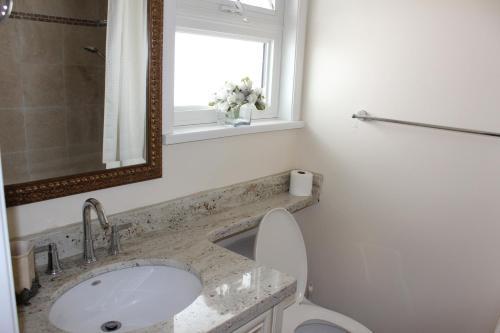 Zara Residence - Richmond, BC V6X 3N5