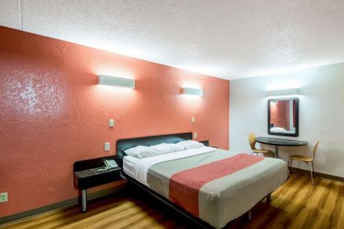 Motel 6 Oklahoma City Del City Photo