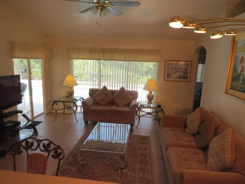 3 Bedroom Standard Kissimmee Home - Kissimmee, FL 34747