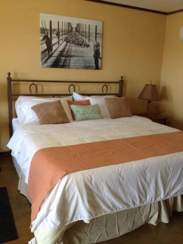 Hh Creek Inn - Seymour, TX 76380