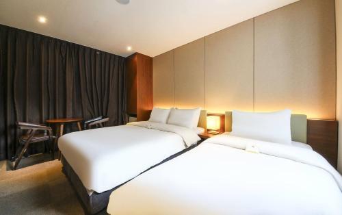 CS Avenue Hotel photo 73