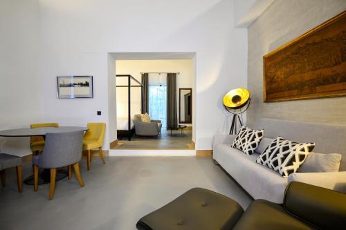 Junior Suite with Terrace Legado Alcazar 23