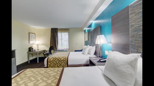 Baymont Inn & Suites Kingston Plymouth Bay Photo