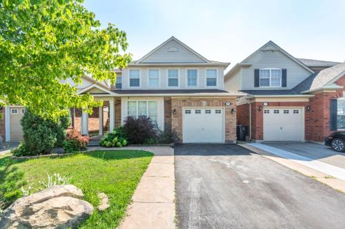 Cozy Private Home For Your Stay - Brampton, ON L7A 1P6