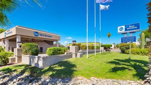 Best Western InnSuites Tucson Foothills Hotel & Suites Photo