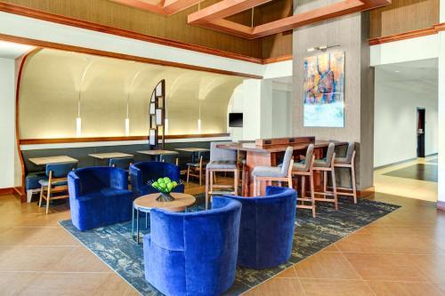 Hyatt Place Albuquerque Airport Photo