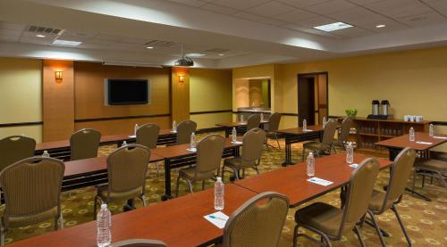 Hyatt Place Indianapolis Airport photo 8