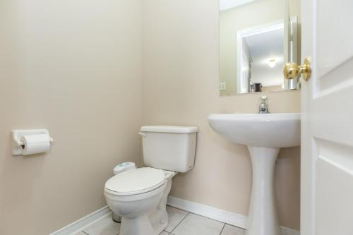 Amazing 3 Bedroom Luxury Home - Brampton, ON L6R 1X9