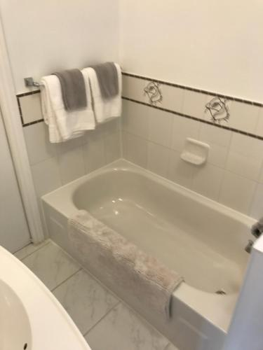 Toronto Luxury 2 Bedrm Suite - North York, ON M2N 1E3