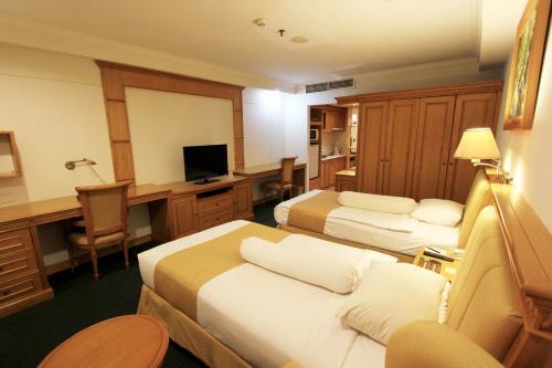 Harmoni Suites Hotel photo 16