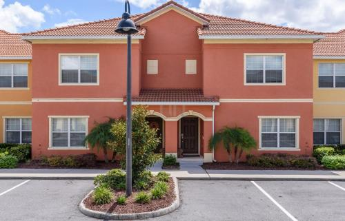 Four Bedroom Townhouse 89cl56 - Kissimmee, FL 34747