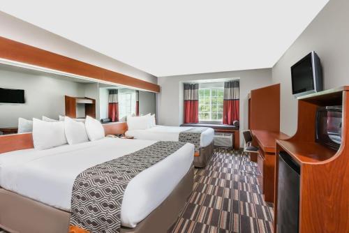 Microtel Inn & Suites by Wyndham Morgantown Photo