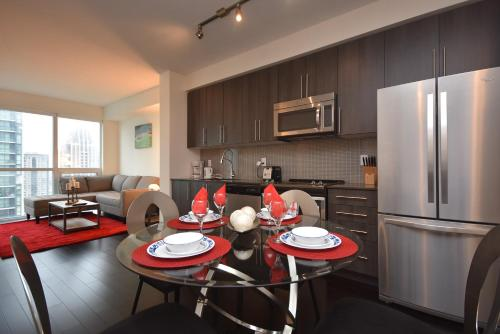 Royal Stays Furnished Apartments - Missisauga City Centre - Mississauga, ON L5B 0G3