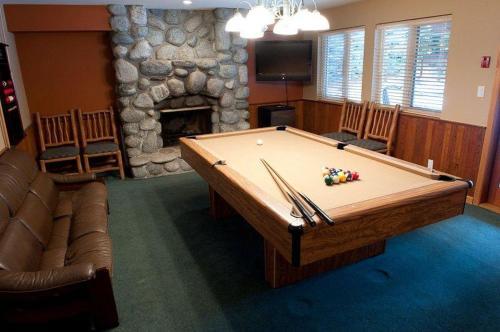 Lorimer Ridge Lodge - Whistler, BC V0N 1B6