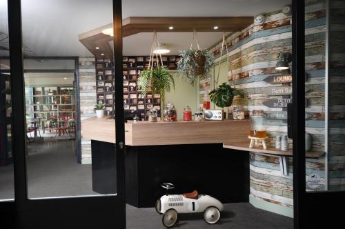 Boutique hotel novalis h tel 9 avenue de l 39 hippodrome 33170 gradignan adresse horaire - Hotel la table de cana gradignan ...