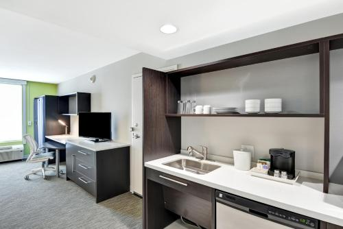 Home2 Suites By Hilton Azusa Hotel