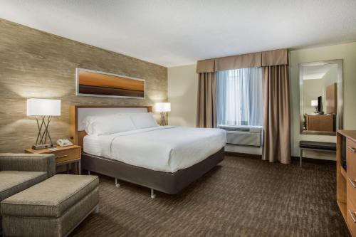 Holiday Inn Saratoga Springs Photo