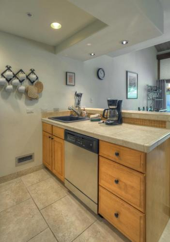 Romantic Golf Resort Destination Townhome At Tamarron - Durango, CO 81301