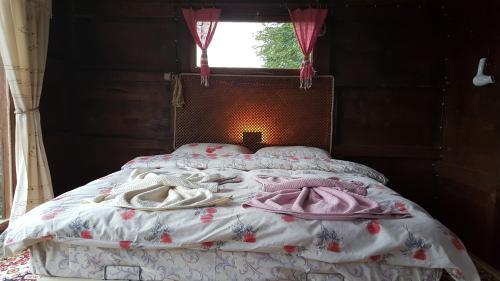 Kireçlik Olimbera köy evi tek gece fiyat