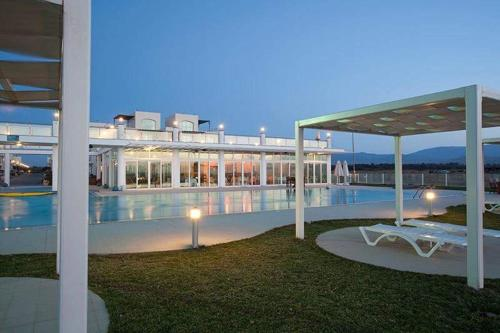 Aphrodite Beachfront Resort ghaziveran