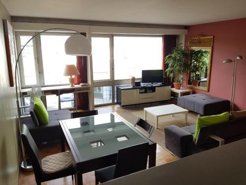Modern apartment Montparanasse photo 1