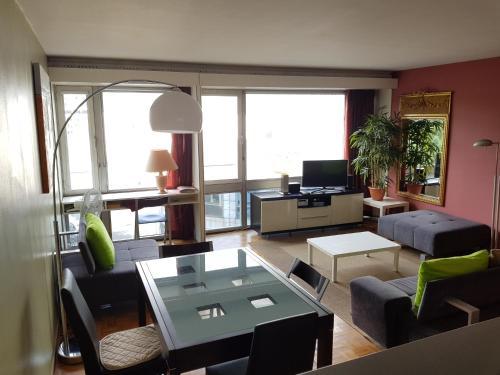 Modern apartment Montparanasse photo 2