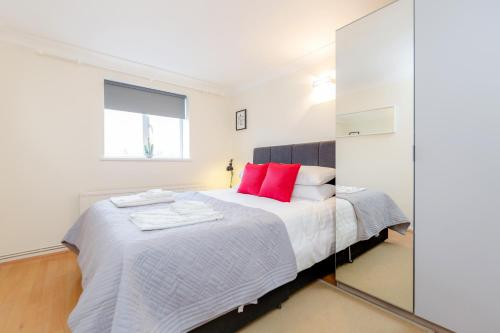 Bright 2bed flat - Notting Hill/Holland Park photo 3