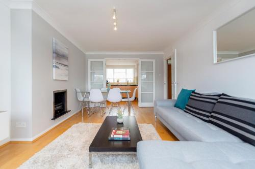 Bright 2bed flat - Notting Hill/Holland Park photo 10