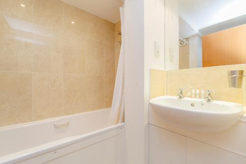 Bright 2bed flat - Notting Hill/Holland Park photo 12